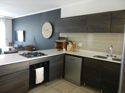 Photo for Exquisite top end Townhouse in Oakdene