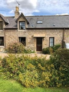 Photo for Traditional farm cottage with modern facilities + garden + private car parking