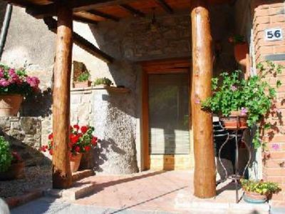 Photo for Adorable house in charming Chianti hamlet btwn Siena, Arezzo and Florence