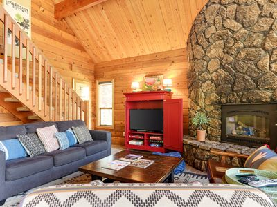 Photo for Recently renovated dog-friendly home w/ private hot tub - SHARC passes included!
