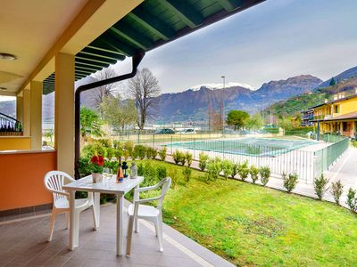 Photo for Apartment in small residence with swimming pool just 200 meters from the lake