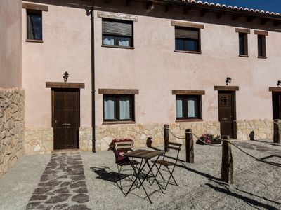 Photo for Rural apartment La Senda del Cabrerizo for 4 people