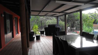 Private outdoor Entertaining Area overlooking natural bush.