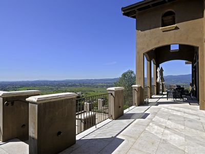 Photo for Napa Valley Vineyard Estate Villa