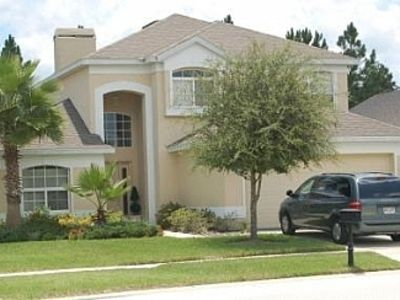 Luxury Air Conditioned Villa Accommodation Close to Disney & Golf