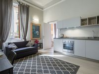 Clean modern well fitted out in a great spot to access the city and the local bars restaurants and s