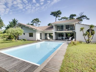 Photo for RENT HOSSEGOR HOLIDAY VILLA 10 PEOPLE HEATED SWIMMING POOLS