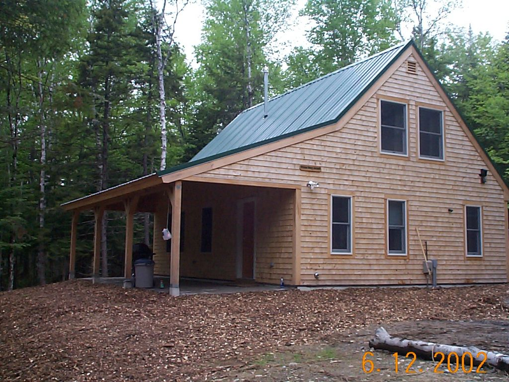Moose river escape moosehead lake access homeaway for Cabin rentals in maine with hot tub