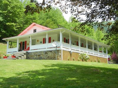 Photo for O'Henry's Getaway - Tail of the Dragon - 25 Acre Vacation Retreat - Cheoah River