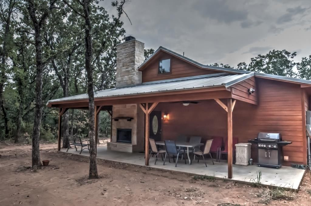 Trinity trails cedar springs cabin on 6 pr homeaway for Lake whitney cabins with hot tubs