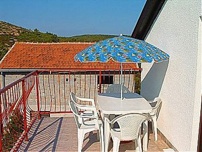 Photo for 2BR Apartment Vacation Rental in Cove Rukavac