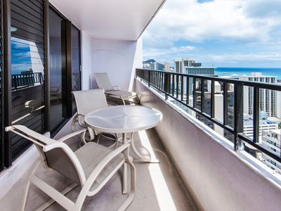 **Professionally Sanitized**Rare Ocean View 2BD Royal Kuhio Condo w/Parking