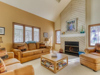 Photo for Family-friendly home with gourmet kitchen, semi-wooded- access to shared pool!