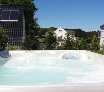 Photo for Villa Foresta *****: large garden, outdoor whirlpool, sauna, SKY, bed linen incl.