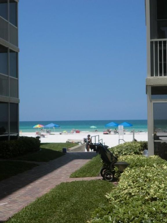 Completely Remodeled Condo On Beach 1st Floor