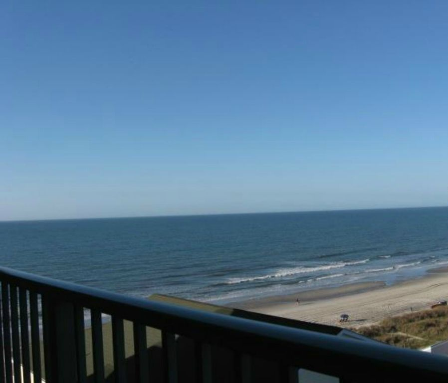 Beach Lover's Condo With Spectacular Ocean View, Pool