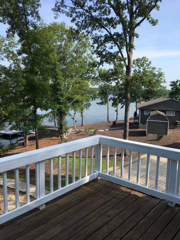 Beautiful waterfront home for family, boating, relaxing, and fishing