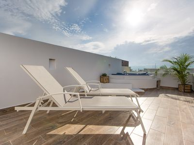 Photo for Central Amazing PH with Private Rooftop and Jacuzzi