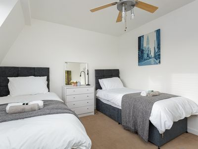 Photo for 🌟4 single beds🌟2 bedrooms🌟Large Home 🌟Portsmouth🌟