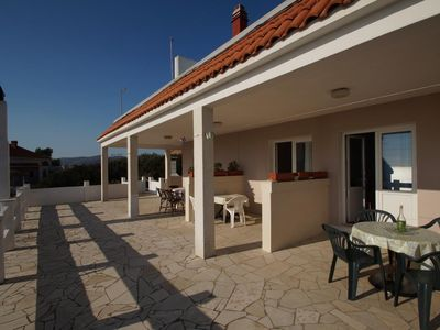 Photo for One bedroom apartment with terrace and sea view Zavalatica, Korčula (A-247-c)