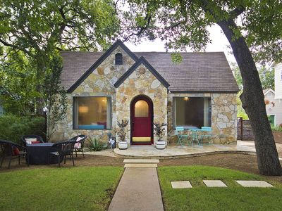Photo for Luxury Bouldin Bungalow
