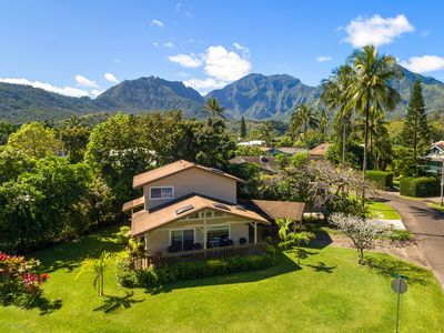 Photo for NEW LISTING! Lovely island-style house close to the beach - great for families!
