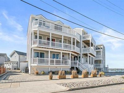 Photo for Bayfront, A/C, Internet, TV's, Grill, Deck, Off-Street Parking