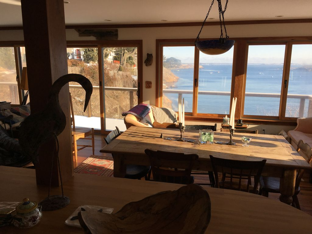Beachfront Cottage, spectacular views,... - HomeAway Marblehead