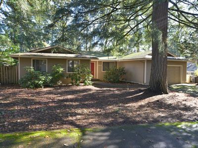 Photo for Stylish Home for Eight (8) in Northwest Corvallis