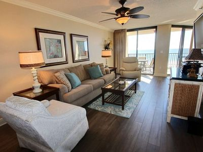 Photo for Updated Gulf-Front 1/1, Slps 4, Blcny, W/D, WiFi, Pool/Hot Tub/ FitCtr/BBQ, Free Tix-Phoenix VII 714