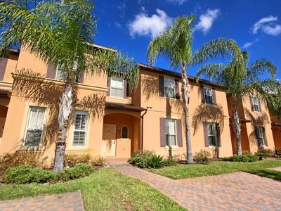5 * Stunning home -Sleeps 9 4 beds/3 Baths Regal Palms Close to Disney.