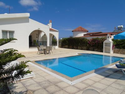 Photo for Charming 3 bedroom/2 bath bungalow close to the sea