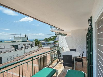 Photo for Two-Bedroom Apartment Sea View located 50m from the beach.