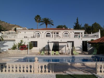 Photo for Air-conditioned villa with swimming pool and magnificent mountain views