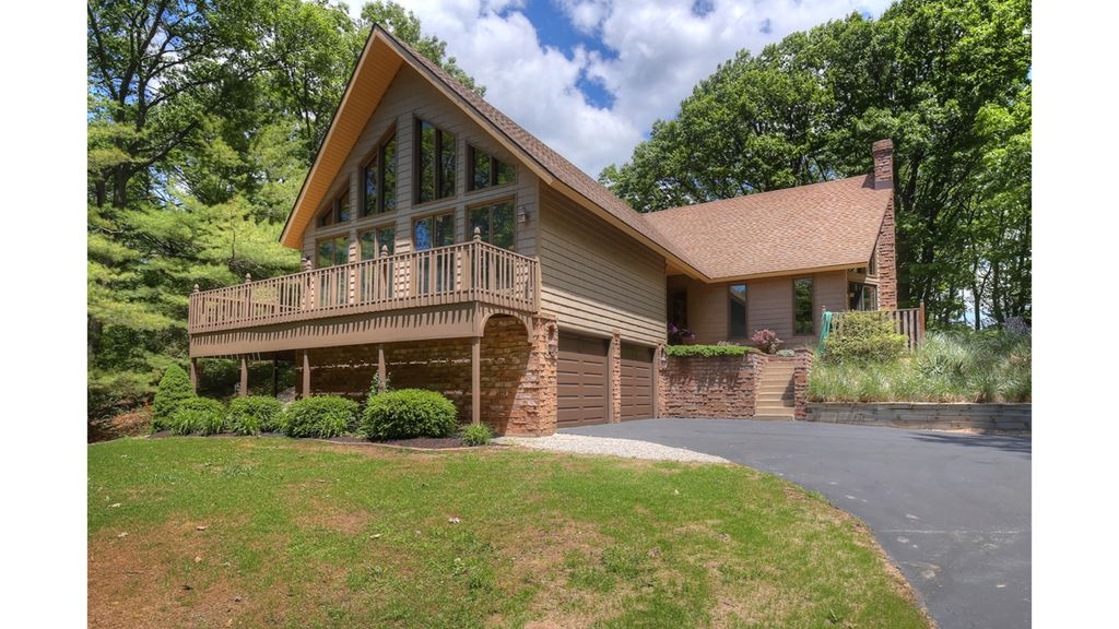 4000 Sq Foot Chalet On Over 3 Acres 1 Mile From Lake Michigan West Olive