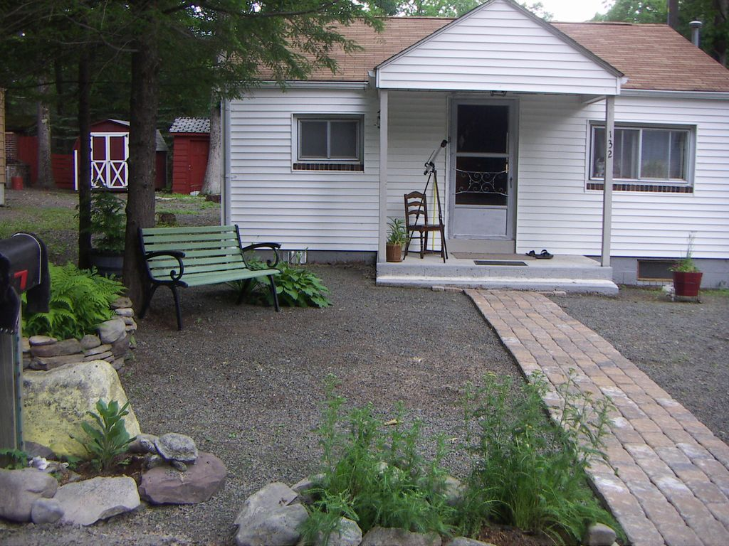 My 2 bedroom cottage is perfect for couple or family of 3 for Perfect cottage