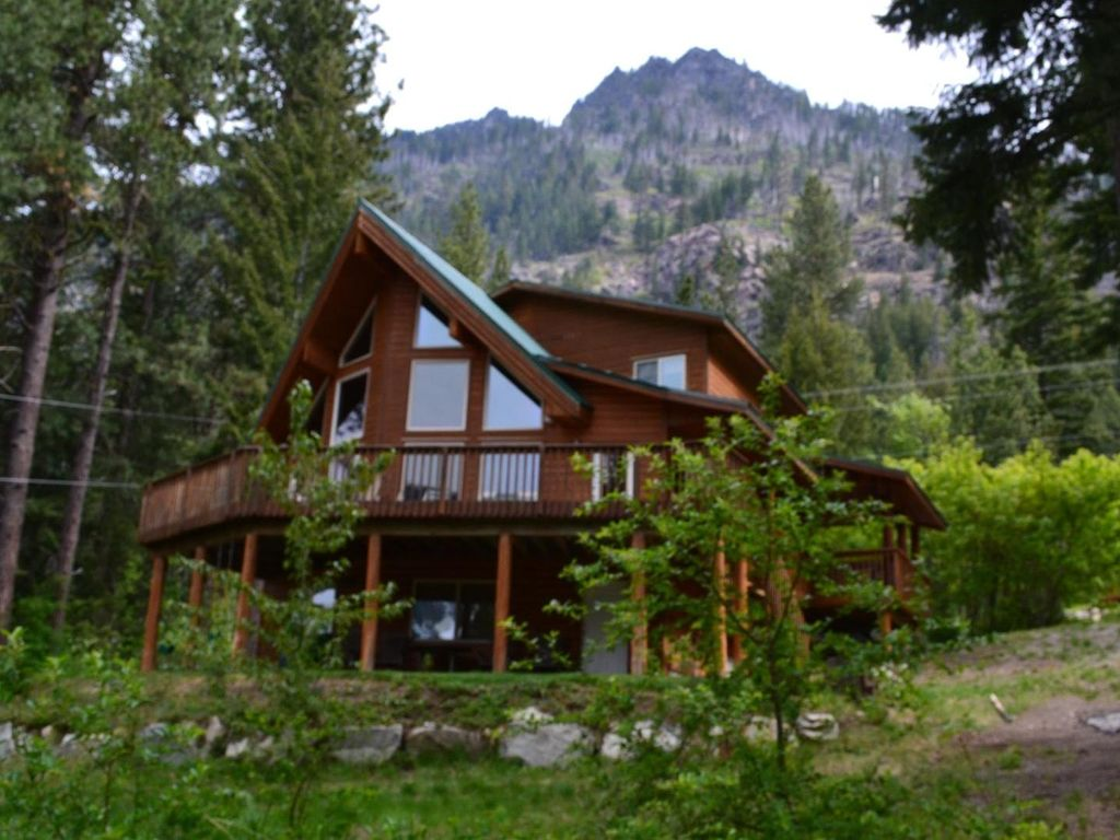 Charmant Relaxing Mountain Cabin With Stunning Views Of Lake Wenatchee