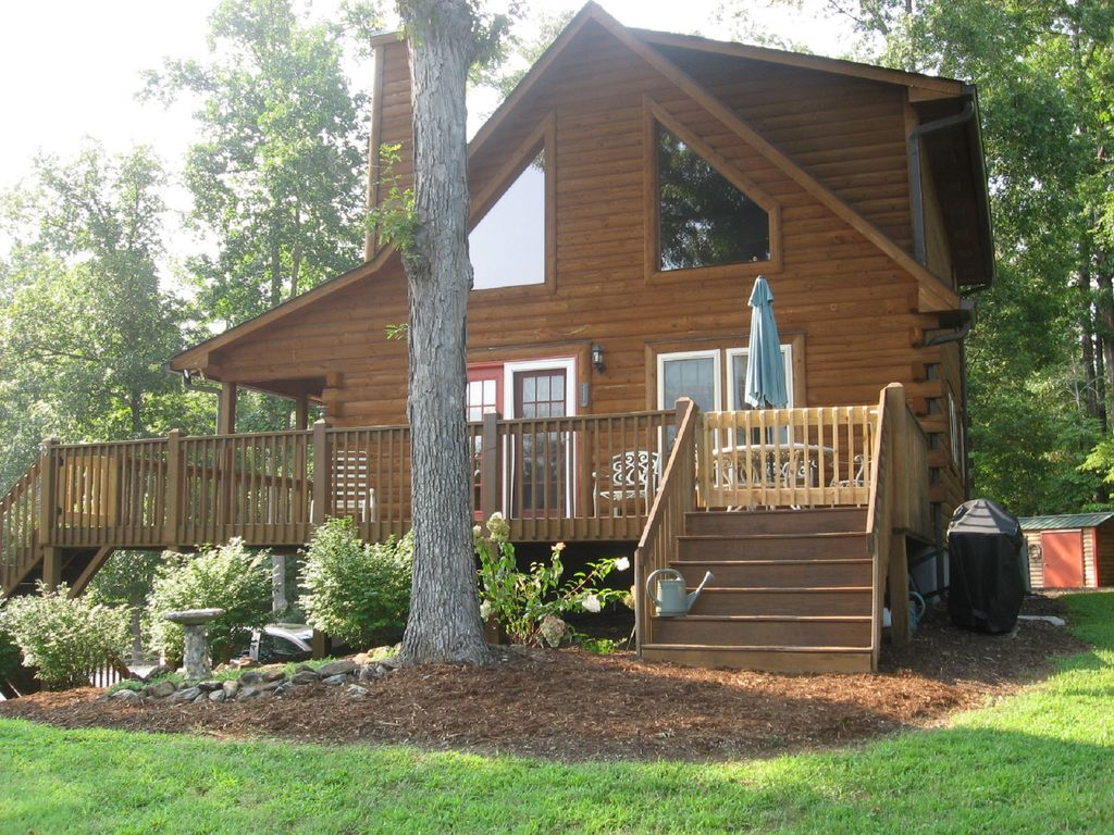 Overlook Cabin -ONLY 3 MILES to TIEC / CLOS... - VRBO