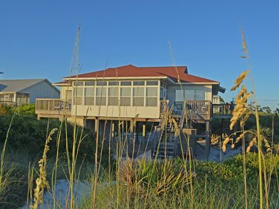 Photo for 4 Bedroom, 2 Bath, Gulf Front, Great views, Spacious layout, Sun room!!!