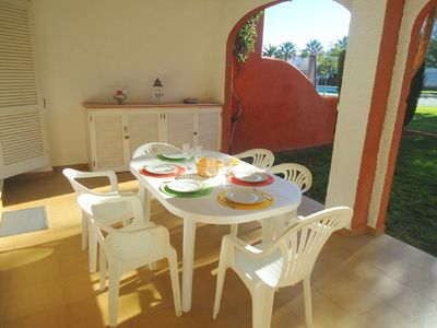 Photo for On the garden level, in a small family residence, spacious apartment