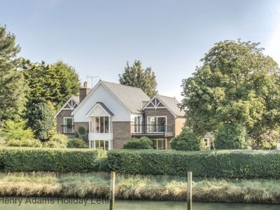 Photo for Riverside House  -  a family house that sleeps 10 guests  in 5 bedrooms
