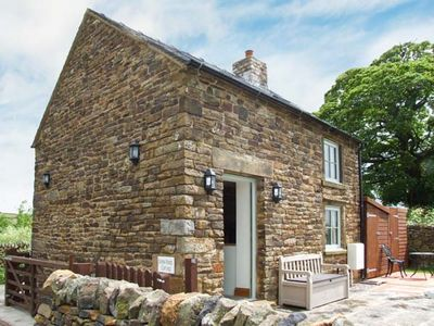 Photo for SCHOOL HOUSE COTTAGE, pet friendly in Longnor, Ref 925742