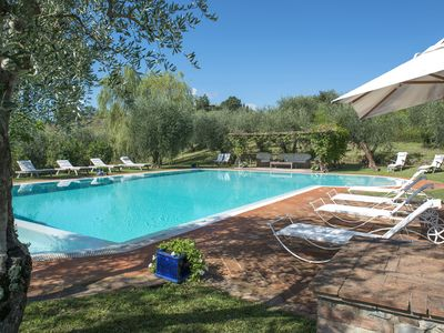Photo for Country Luxury House with swimmingpool in Tuscany / Umbria