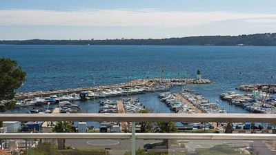 Photo for 2BR Apartment Vacation Rental in Cannes, Provence-Alpes-C??te d'Azur