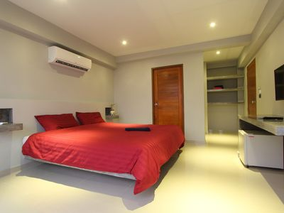 Photo for Design Studio 25m², ideally located, pool, king size bed, WIFI 200MB