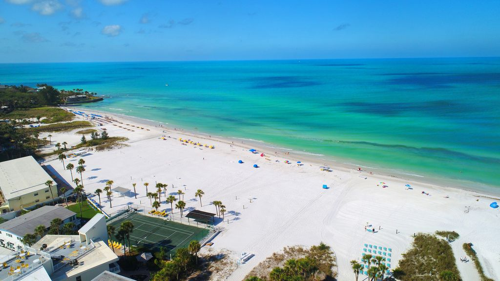 Experience Paradise In 1 Beach In This 2br Vrbo