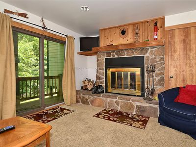 Photo for Cozy, one bedroom, short walk to the slopes!