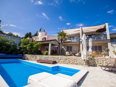Photo for Apartment Ana with pool and sea view directly at the beach in Vantačići