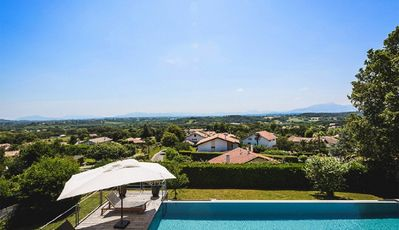 Photo for Villa with incredible views for 8 people!