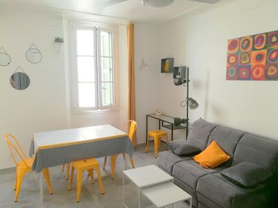 Photo for Charming 2 rooms in the heart of old Antibes in a typical quiet street